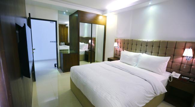 Blossom Hotel & Spa Dhaka - Dhaka - Bedroom