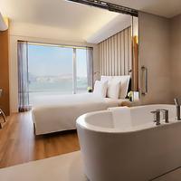 Renaissance Hong Kong Harbour View Hotel Guest room