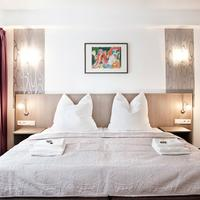 Hotel Nikolai Residence Guestroom