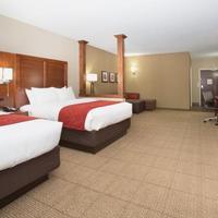 Comfort Suites Guestroom