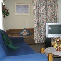 Susan's Retreat Pt. Living Room Apartment