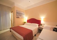 Hotel Adlon - Riccione - Kamar Tidur