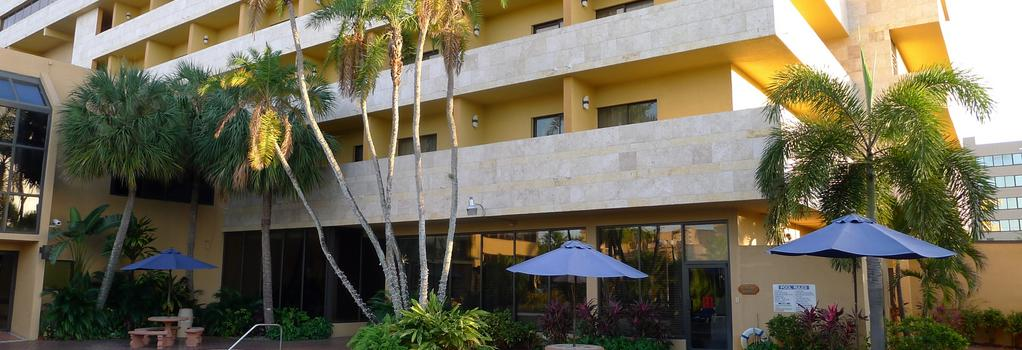 Regency Hotel Miami - Miami - Building