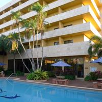 Regency Hotel Miami Outdoor Pool