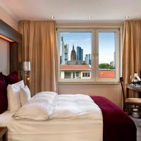 Fleming's Deluxe Hotel Frankfurt Main-Riverside Deluxe Room with Skyline view