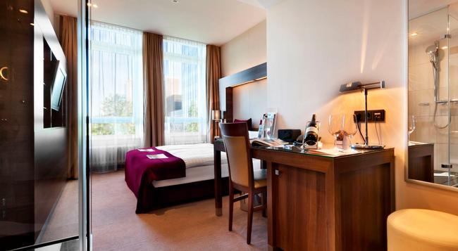 Fleming's Deluxe Hotel Frankfurt-city - Frankfurt am Main - Bedroom