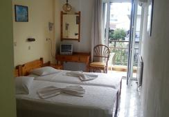 Karis Hotel - Kos - Kamar Tidur