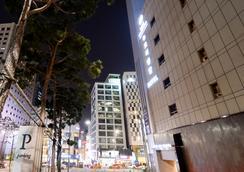 New Oriental Hotel - Seoul - Bangunan