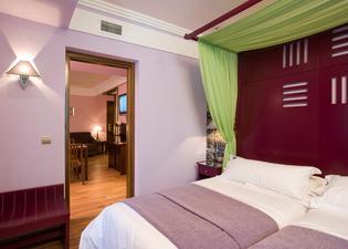 Suites Gran Via 44 Hotel
