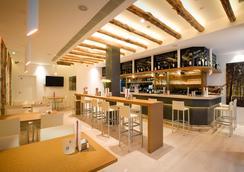 Hotel Comfort Dauro 2 - Grenada - Bar