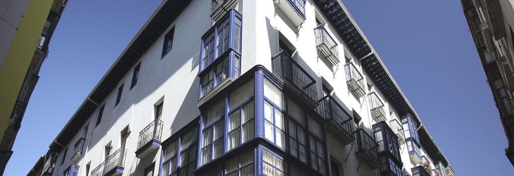 Casual Bilbao Gurea - Bilbao - Building