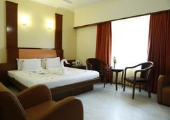 Hotel Chennai Deluxe - Chennai - Kamar Tidur