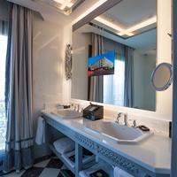 Wyndham Grand Istanbul Kalamis Marina Bathroom