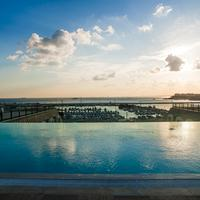 Wyndham Grand Istanbul Kalamis Marina Pool