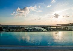 Wyndham Grand Istanbul Kalamis Marina - Istanbul - Kolam