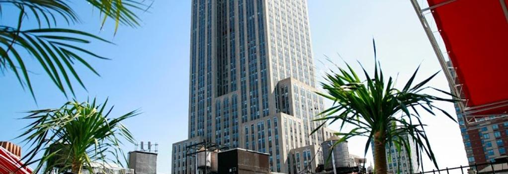 Hotel Metro - New York - Building