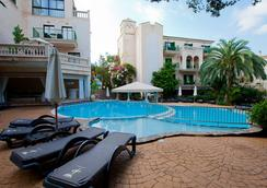 Lago Garden Apart-Suites & Spa Hotel - Cala Ratjada - Kolam