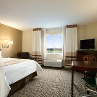 Hawthorn Suites by Wyndham Raleigh Guestroom