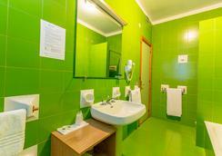 Hotel Residence Ulivi e Palme - Cagliari - Kamar Mandi