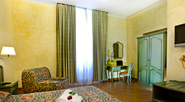 Hotel Augustea - Rome - Bedroom