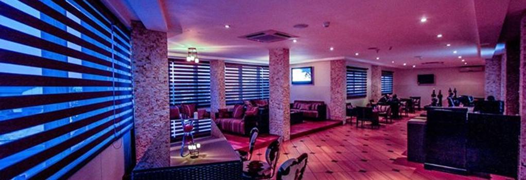 Oak Plaza Hotel, East Airport - Accra - Bar