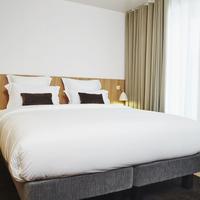 9Hotel Republique Club room