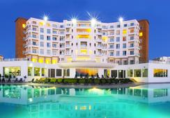 Grand Mogador Sea View - Tangier - Kolam