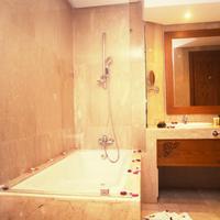 Grand Mogador Sea View & Spa Bathroom Shower