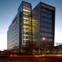 Hampton Inn & Suites Boston Crosstown Center Exterior