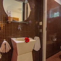 Karavansara Retreat Bathroom