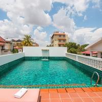 Karavansara Retreat Rooftop Pool