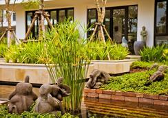 Damrei Angkor Hotel - Siem Reap - Pemandangan luar