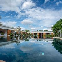 Elegant Angkor Resort & Spa Outdoor Pool