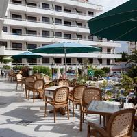 Hotel Apartamentos Andorra Outdoor Dining