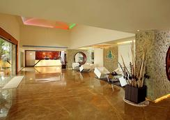 Flora Airport Hotel - Kochi - Lobi
