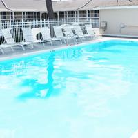 Traverse City MI Travelodge Pool
