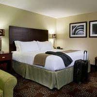 Holiday Inn Express & Suites Pittsburgh West - Green Tree Guestroom