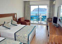 Blue Diamond Alya Hotel - Alanya - Kamar Tidur