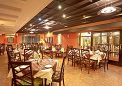 Well Park Residence - Chittagong - Restoran