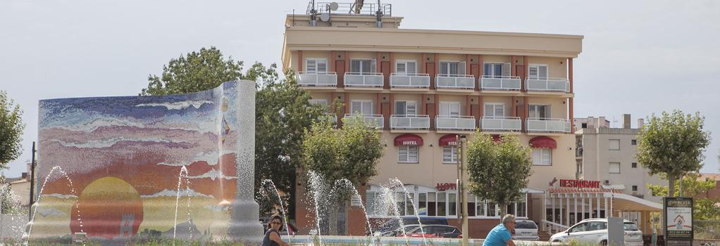 Hotel Silvia - Empuriabrava - Building